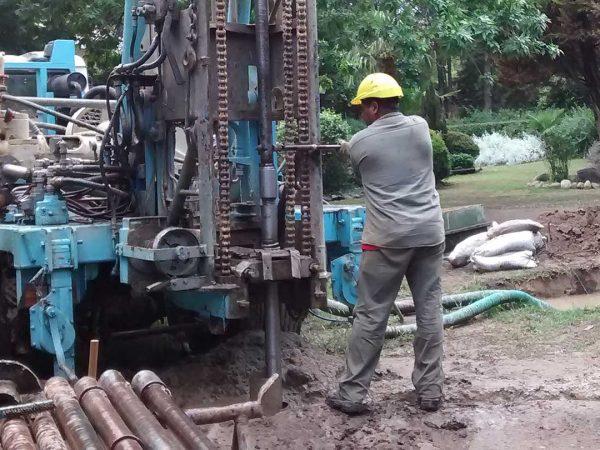 Perforación de pozo de agua en Villa de Las Rosas